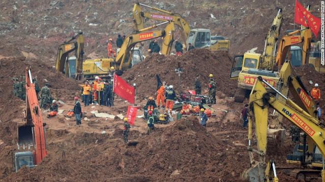 151221211737-shenzhen-landslide-8-exlarge-169