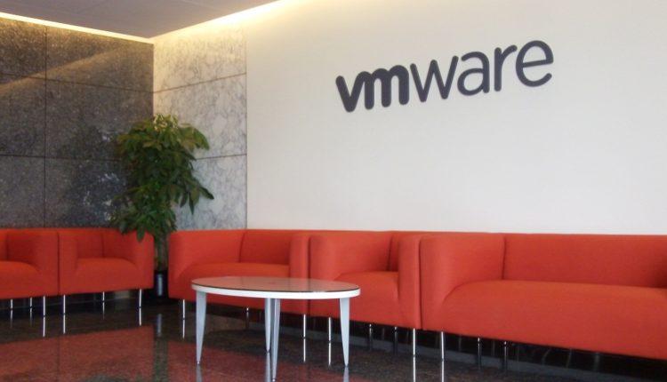 VMware layoff 800 employee