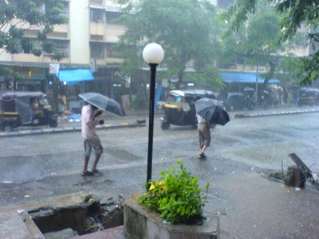 Mumbai-rains-640x480.jpg